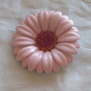 Vintage Pink Enameled Metal Daisy Pin Brooche EUC